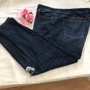 American Eagle Blue Jeans ( Tom Girl) Size 20